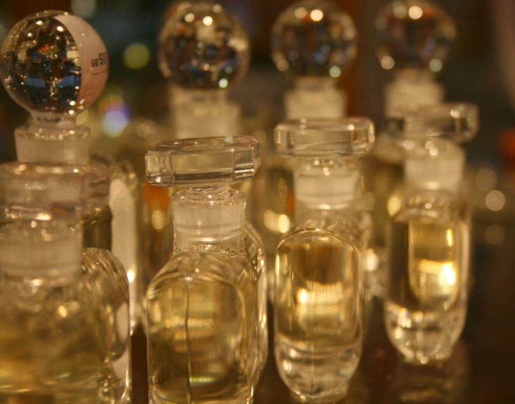 essential-oils-are-used-for-perfume-industry